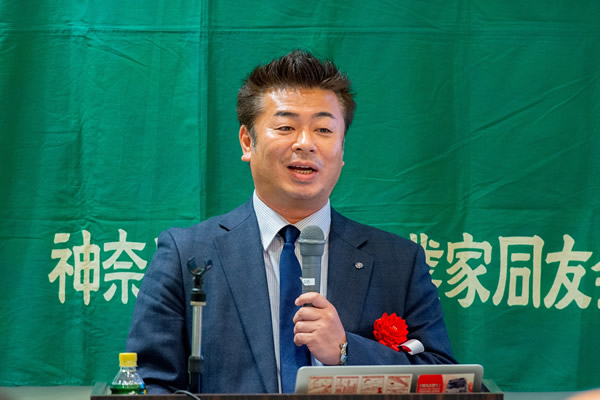 写真:株式会社ヴィ・クルー 代表取締役 佐藤 全氏