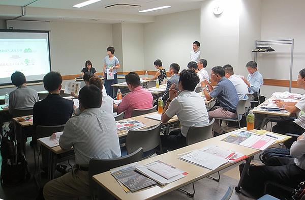 写真:写真:神奈川同友会 たま田園支部8月例会の様子