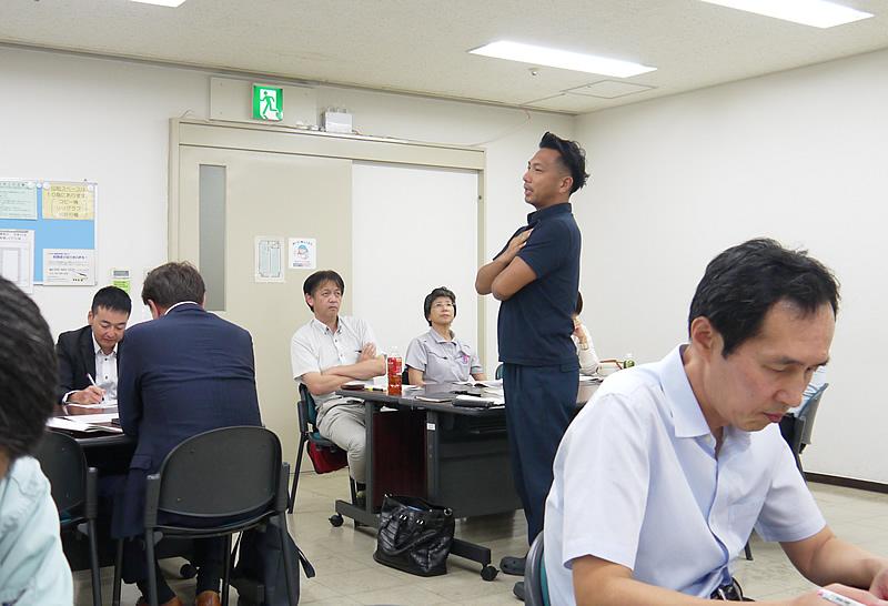 写真:かながわ経営カンファレンス実行委員会 グループ討論発表
